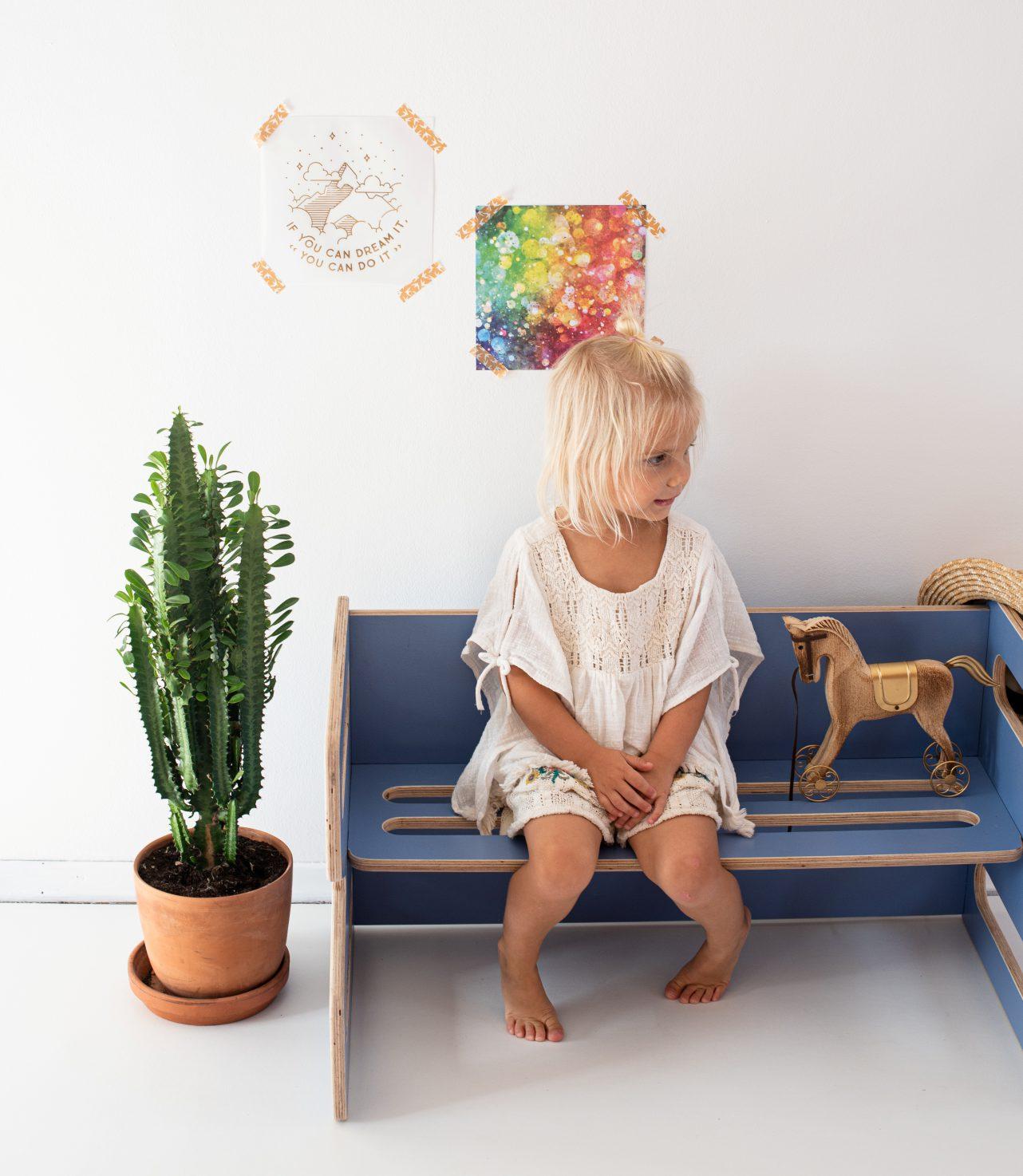 Mebelki edukacyjne dla dzieci ze sklejki kubi. Ławeczka kolor Bluewing